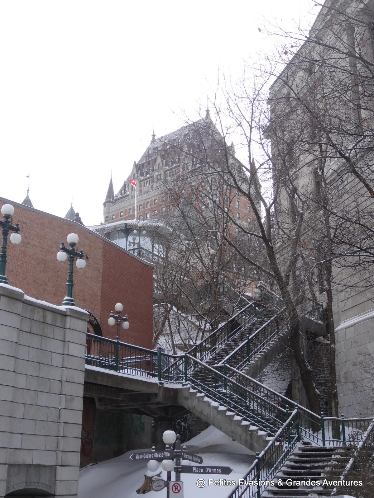 L'escalier Frontenac qui mène au château du même nom