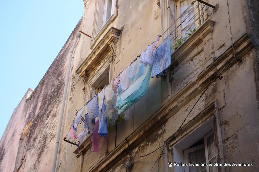 Linge suspendu en Italie