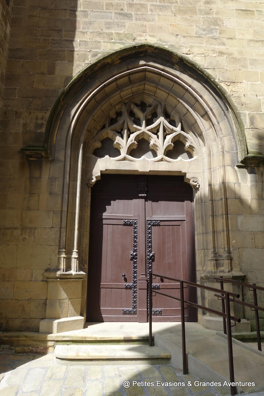 Porte de l'Église de Notre Dame de l'Ascension