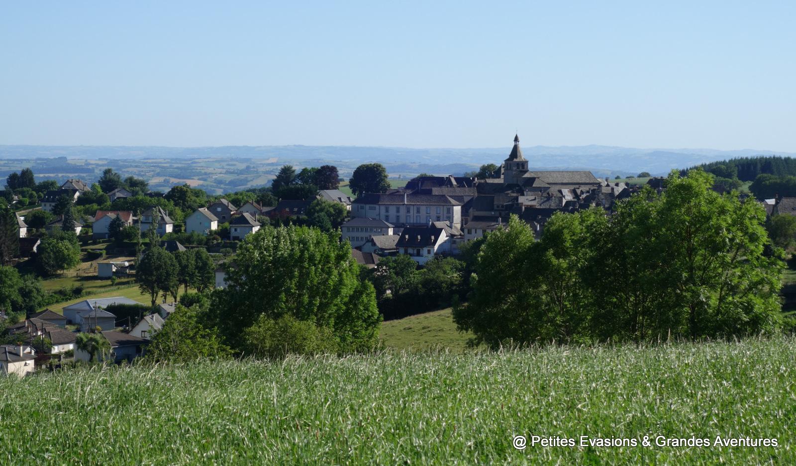 Vue sur Montsalvy, Cantal