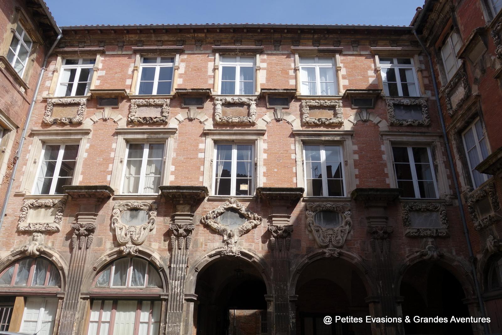 Cour intérieure de l'Hôtel de Pierre, rue de la Dalbade