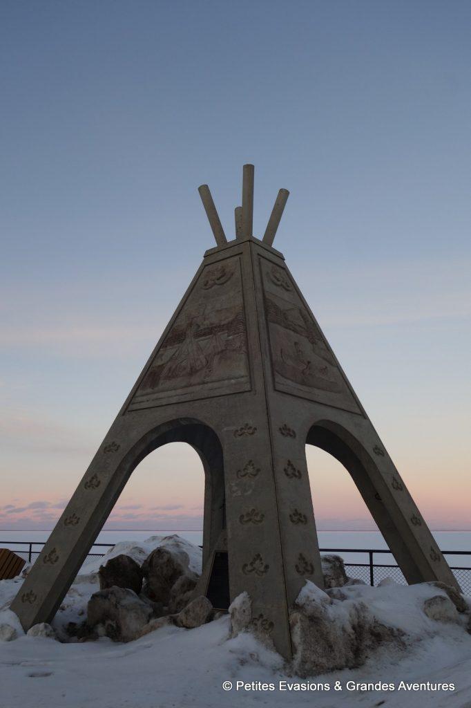 Un des tipis symbolisant les saisons de Mashteuiatsh