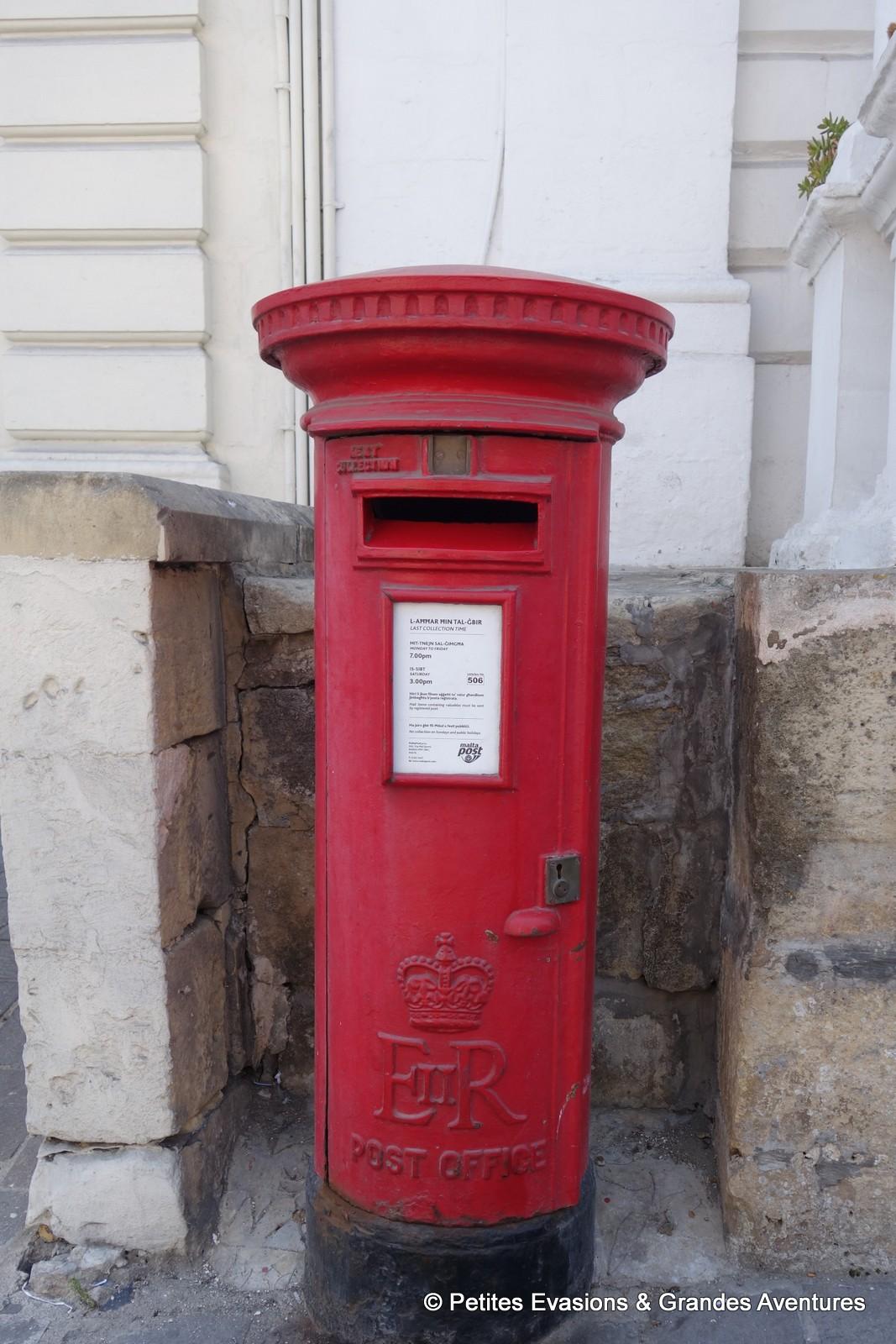 Boîte aux lettres maltaise