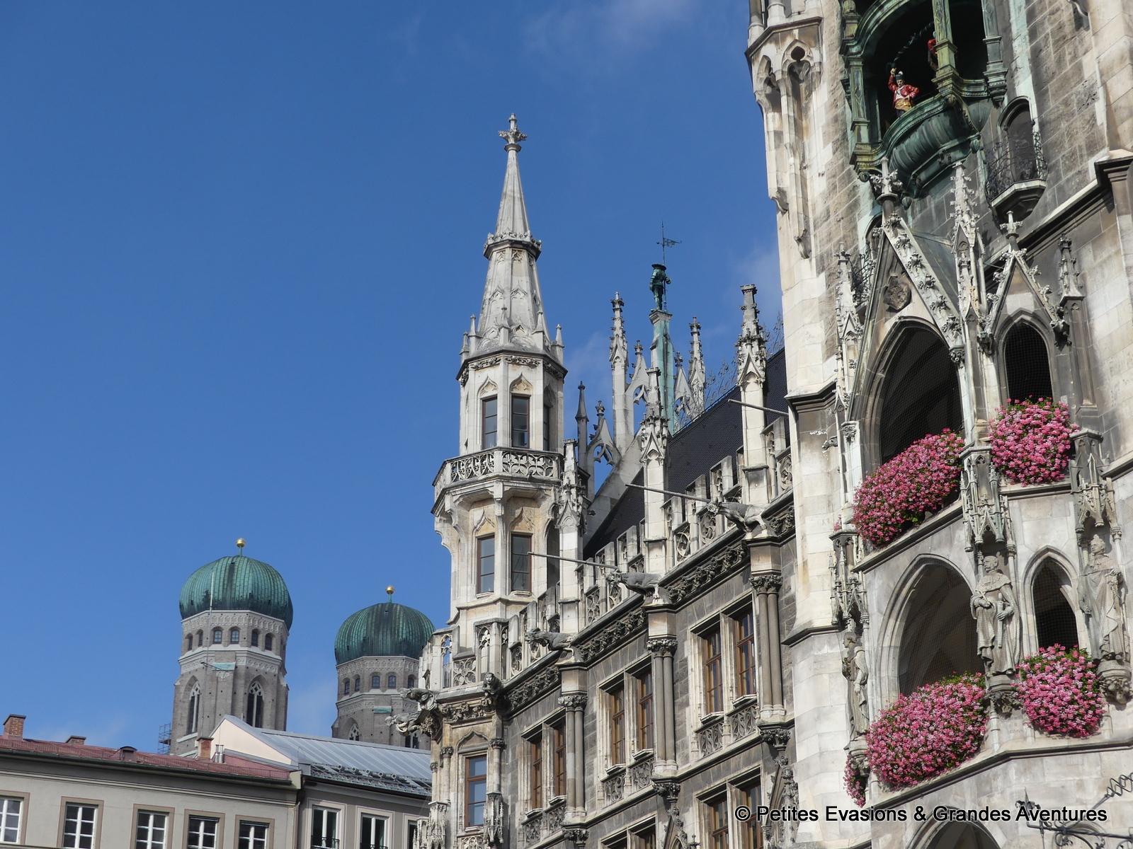 Marienplatz et les tours de Frauenkirche, Munich